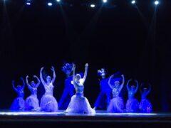 Концерт ансамбля эстрадного танца «Синяя птица» в честь Дня Матери в ДК имени Хузангая